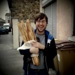 Adam comprando pan
